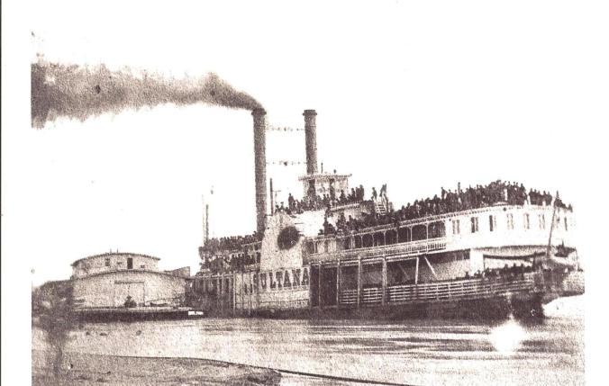 Steamboat Sultana 001